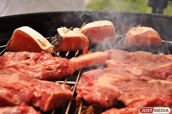 Много мяса, гастрономическая ярмарка и поросячьи бега: в ЦПКиО пройдет шестой фестивале барбекю