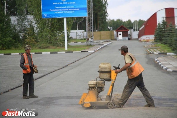 Перенимаем опыт Казахстана и Белоруссии. В России предложили строить дороги из цемента