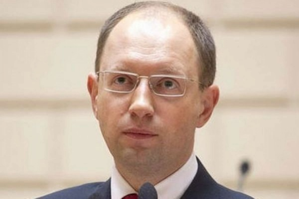 Яценюк не намерен участвовать в довыборах в Раду