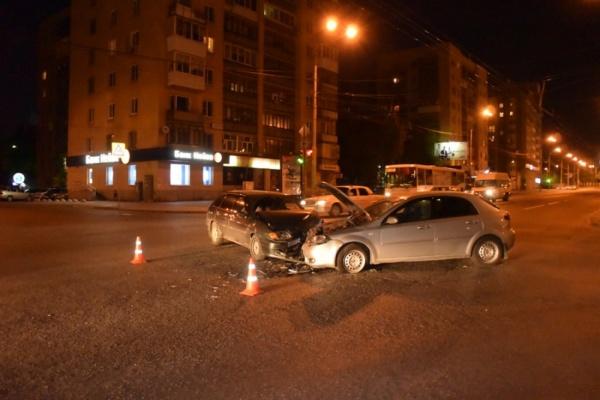 Автоледи устроила ДТП на Крауля. Три человека пострадали