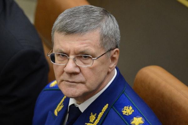 Накануне президент направил представление о назначении Юрия Чайки генпрокурором