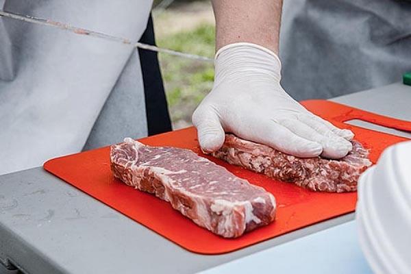 Участникам фестиваля барбекю предоставят сорок килограммов стейков