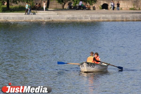 Прокуратура нашла в сточных водах у моста на улице Ткачей превышение ПДК вредных веществ