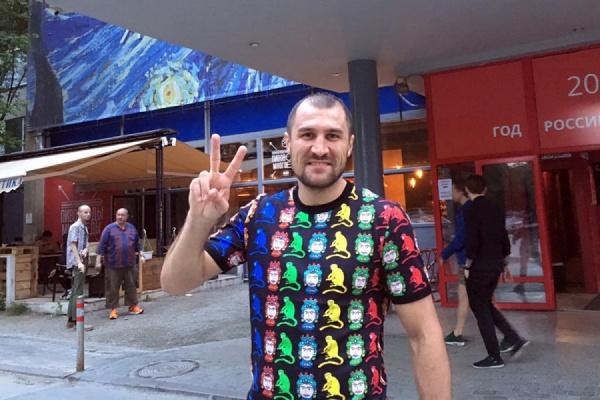 Сергей Ковалев прибыл в Екатеринбург для подготовки к бою с Айзеком Чилембой
