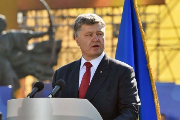 Порошенко призвал украинскую военную авиацию «сдерживать амбиции России»