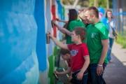 «Стенограффия» и JustMedia в компании жителей города преобразят двор на Уралмаше