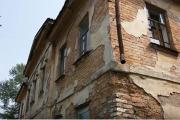«Соцзащита дала нам вагончик, но только на три дня». Жители рухнувшего дома в Ирбите вернулись в свои квартиры. ВИДЕО
