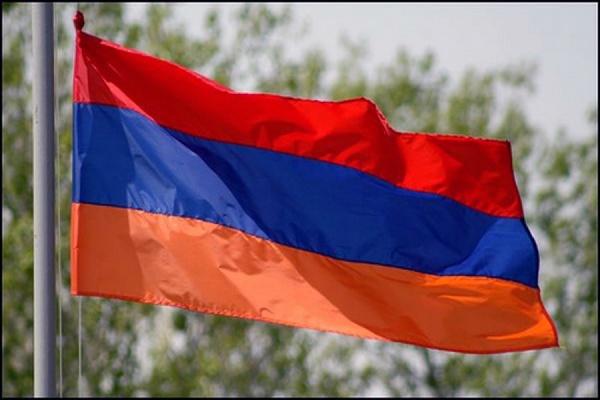 Президент Армении потребовал оттеррористов освободить заложников исложить оружие