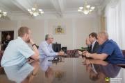 Якоб обсудил с единороссами строительство метро и безопасность работников скорой