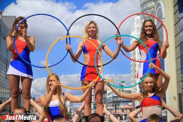 Три эскиз-идеи олимпийской скульптурной композиции выставлены на голосование