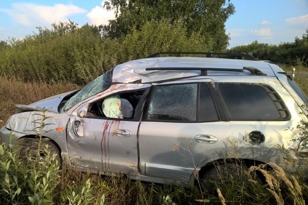 На автодороге Богданович—Сухой Лог водитель-нарушитель спровоцировал ДТП с двумя пострадавшими