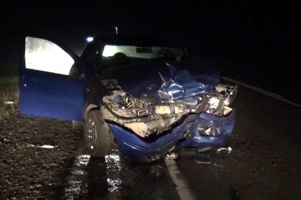 Опасный маневр. На трассе под Тугулымом в ДТП пострадали два водителя