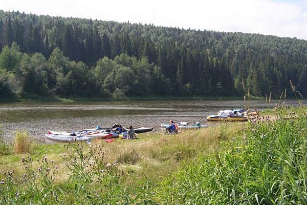 Девятилетний мальчик утонул в озере в Артемовском