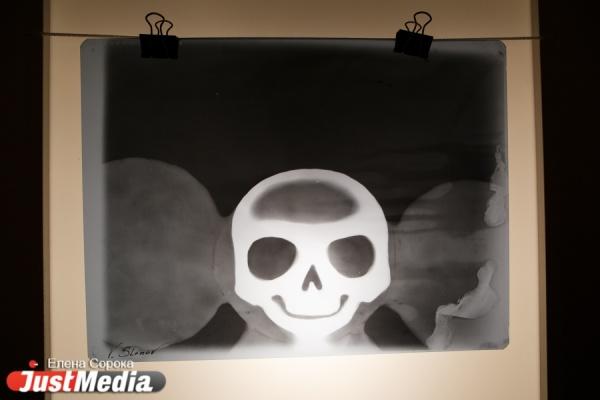 Чебурашка, Карлсон, Буратино и другие герои детства под рентгеновским лучом