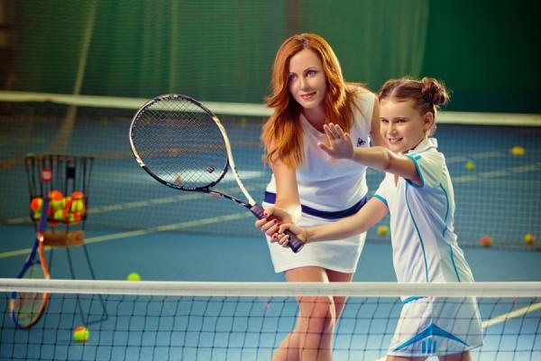 Уроки тенниса: плюсы и минусы спорта на корте