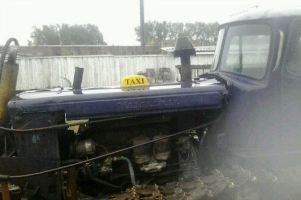Житель Ивделя превратил свой трактор в такси