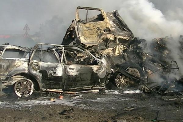 Семья с сыном живьем сгорела вавтомобиле натрассе Екатеринбург