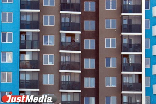 В Екатеринбурге до конца года в многоквартирных домах заменят еще 15 лифтов