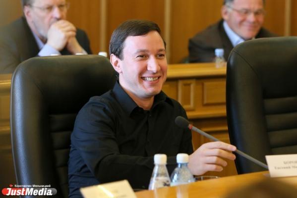 «Внимание! Не верьте слухам». Екатеринбуржцы получают агитационные звонки от депутата Боровика