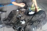 Таможенники нашли почти 4 кг героина в бензобаке машины из Казахстана