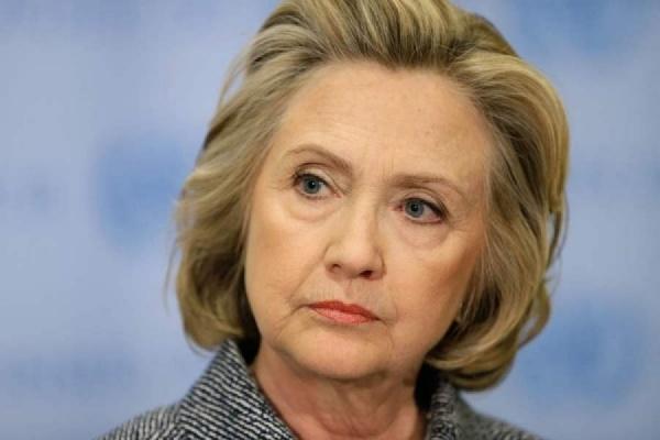 Хиллари Клинтон стало плохо натраурной церемонии, приуроченной годовщине 11сентября