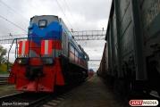 Молодой мужчина попал под поезд на перегоне Монетный—Кедровка