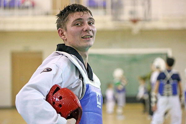 Уральский спортсмен Евгений Алифиренко привез бронзовую медаль с чемпионата Европы по паратхэквондо