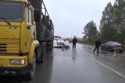 На Полевском тракте мотоцикл влетел в большегруз