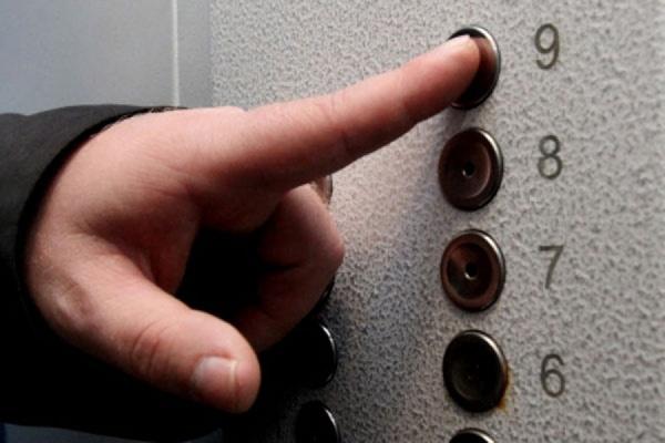 В здании на северо-западе Москвы оборвался лифт