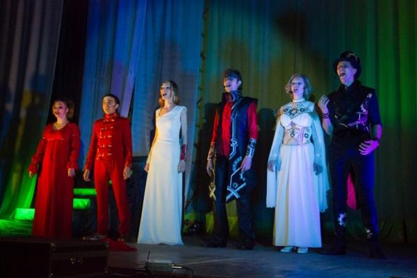 Музыканты из Екатеринбурга создали рок-оперу с минимальным количеством декораций