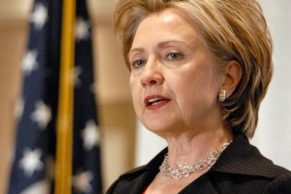 Клинтон одолела Трампа впервых теледебатах
