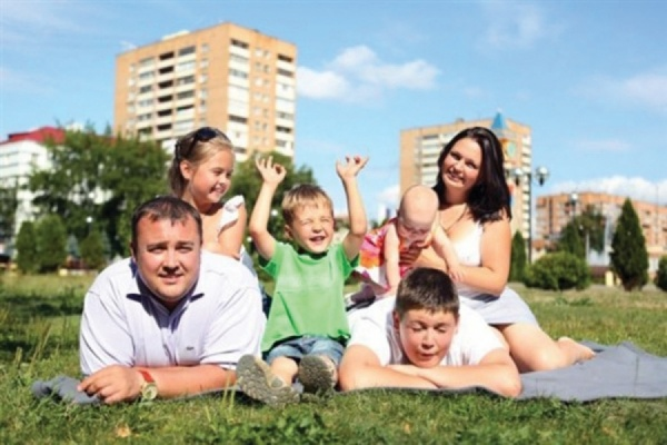 Руководство РФвыделило 1,6 млрд руб. наподдержку многодетных семей