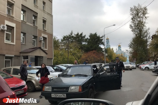 Участник дорожного конфликта на Тургенева: «Водитель «девятки» набросился на меня с битой, но я ее отобрал»