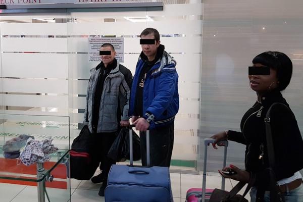 «Ночная бабочка» из Нигерии и два строителя из Молдовы принудительно покинули Екатеринбург