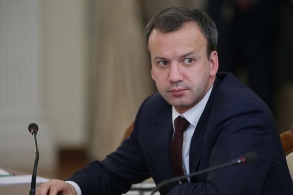 Дворкович обсудил с Абэ визит Путина в Японию