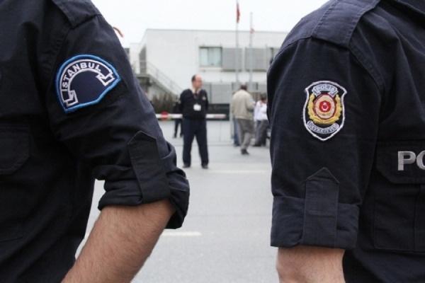 Около 13 тысяч полицейских отстранили от работы в Турции
