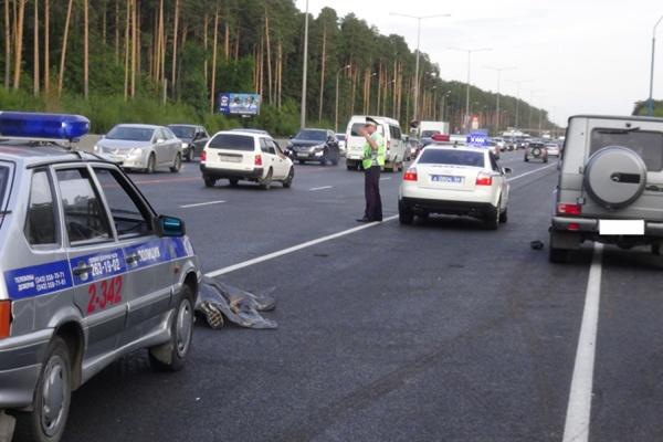 Против водителя Mercedes, который насмерть сбил пешехода на Кольцовском тракте, могут возбудить уголовное дело