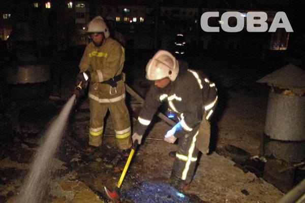 На Екатеринбургском хлебозаводе №2 при пожаре обрушилась кровля в производственном цехе