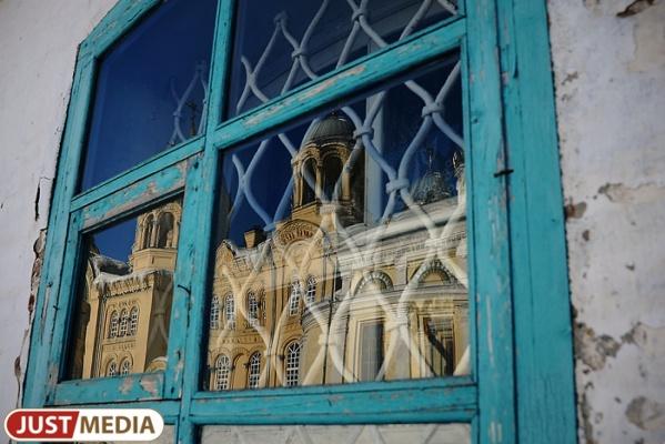 Очередь на восстановление: заброшенные свердловские храмы попадут в «Свободную энциклопедию Урала»