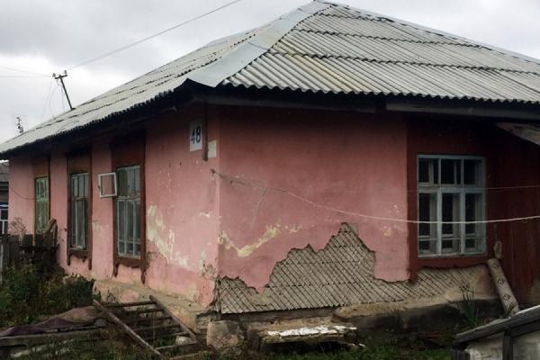В Каменске-Уральском жильцов столетнего дома после вмешательства прокуратуры переселили в новостройку