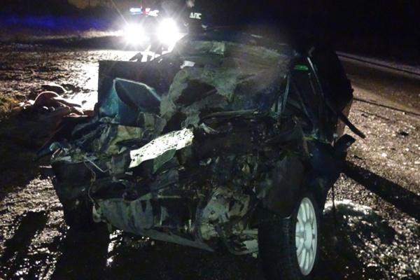 На автодороге Нижний Тагил—Нижняя Салда «девятка» врезалась в самосвал. Пострадали пять человек