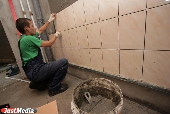 Свердловский фонд капремонта жалуется на нехватку рабочих рук и просит правительство не сокращать бюджетные расходы на сотрудников