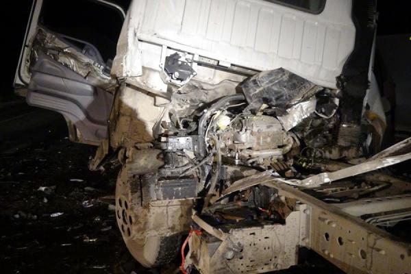 НаЕКАД столкнулись три автомобиля— два человека пострадали