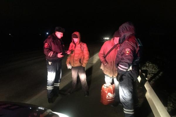 Сотрудники ГИБДД за одну ночь выловили на автотрассе 18 пешеходов-«призраков»