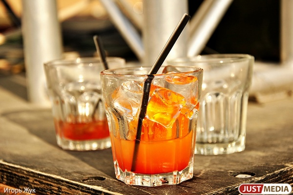 KARL в городе. В Екатеринбурге откроется джин бар с душой для опасных интеллектуалов