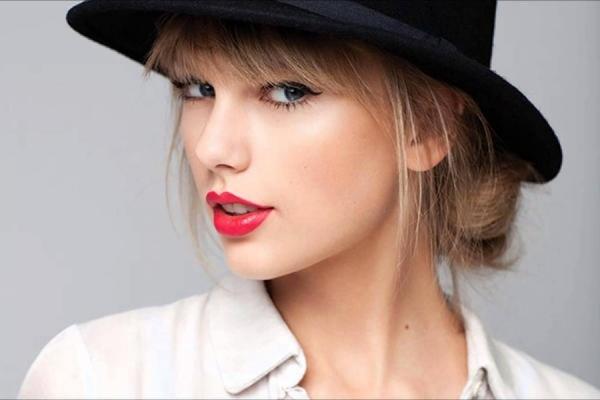 Тейлор Свифт— самая высокооплачиваемая эстрадная певица поверсии Forbes