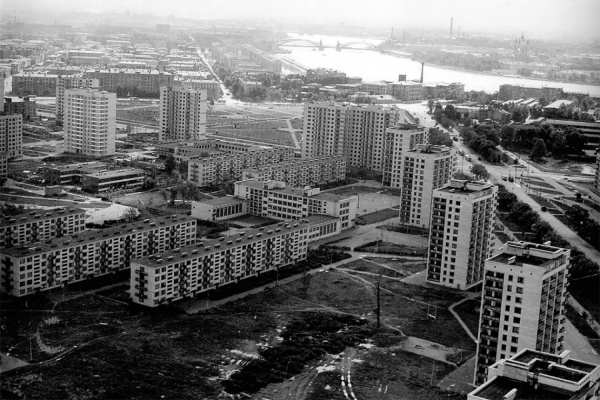 Брежневки, хрущевки, китайские стены. В «Доме Метенкова» расскажут про советский модернизм в архитектуре