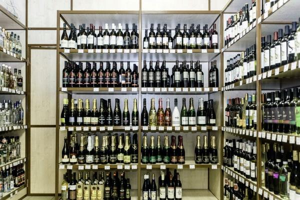 Продажи алкоголя в России упали на 2 процента