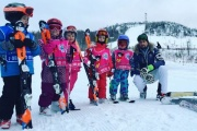 «Мы готовы вести ребенка до уровня сборной страны». На «Волчихе» идет набор детей в школы по горным лыжам и сноуборду