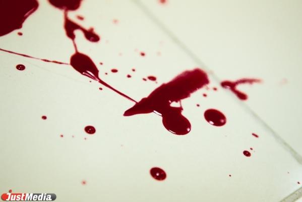 В Екатеринбурге в подъезде дома на Малышева мужчина расстрелял своего соседа из обреза